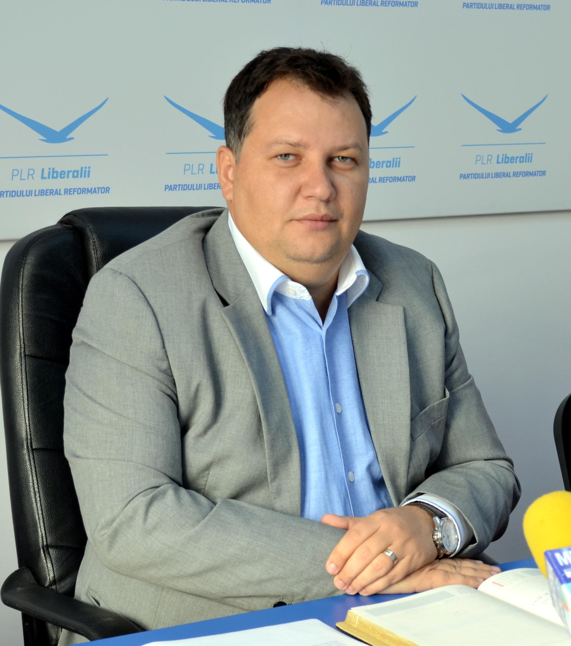 """Liderul PLR Giurgiu acuză """"tactica președintelui Mustăţea de a boicota şedinţele Consiliului Judeţean"""""""